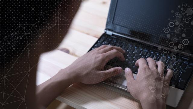 「退職処分」から考える、従業員の不適切なSNS投稿のリスク